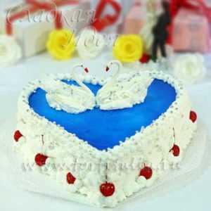 Свадебный торт Сердце с лебедями